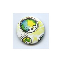 BADGE 3.8 cm - FOND JAUNE par Tiphanie