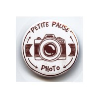 BADGE 3.8 cm - PETITE PAUSE PHOTO par Lily Fairy